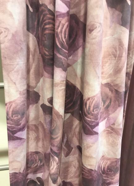Vorhang JOLIE LILA Velour 140x250cm 2 Stück Edel Rosen floral Blumen Gardinenschals Set Landhaus
