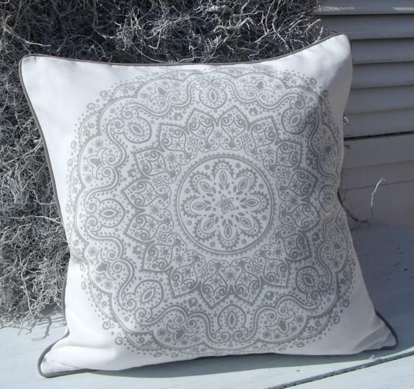kissenbezug liza grau 45x45 cm mandala kissenbez ge. Black Bedroom Furniture Sets. Home Design Ideas