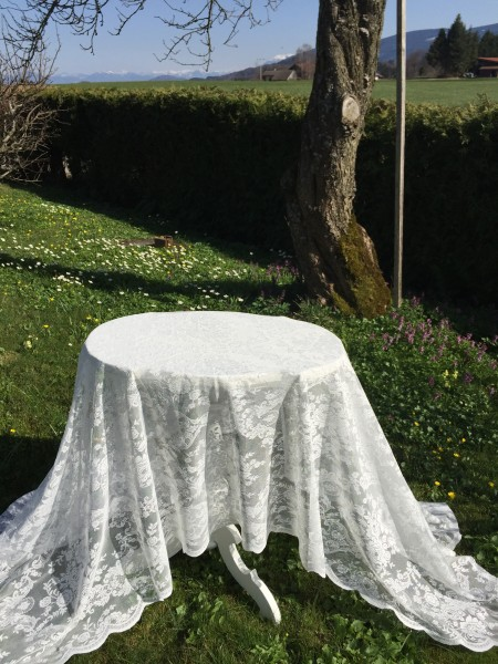 Spitzen Tischdecke LUCIA Offwhite Rosen 140x250 Shabby