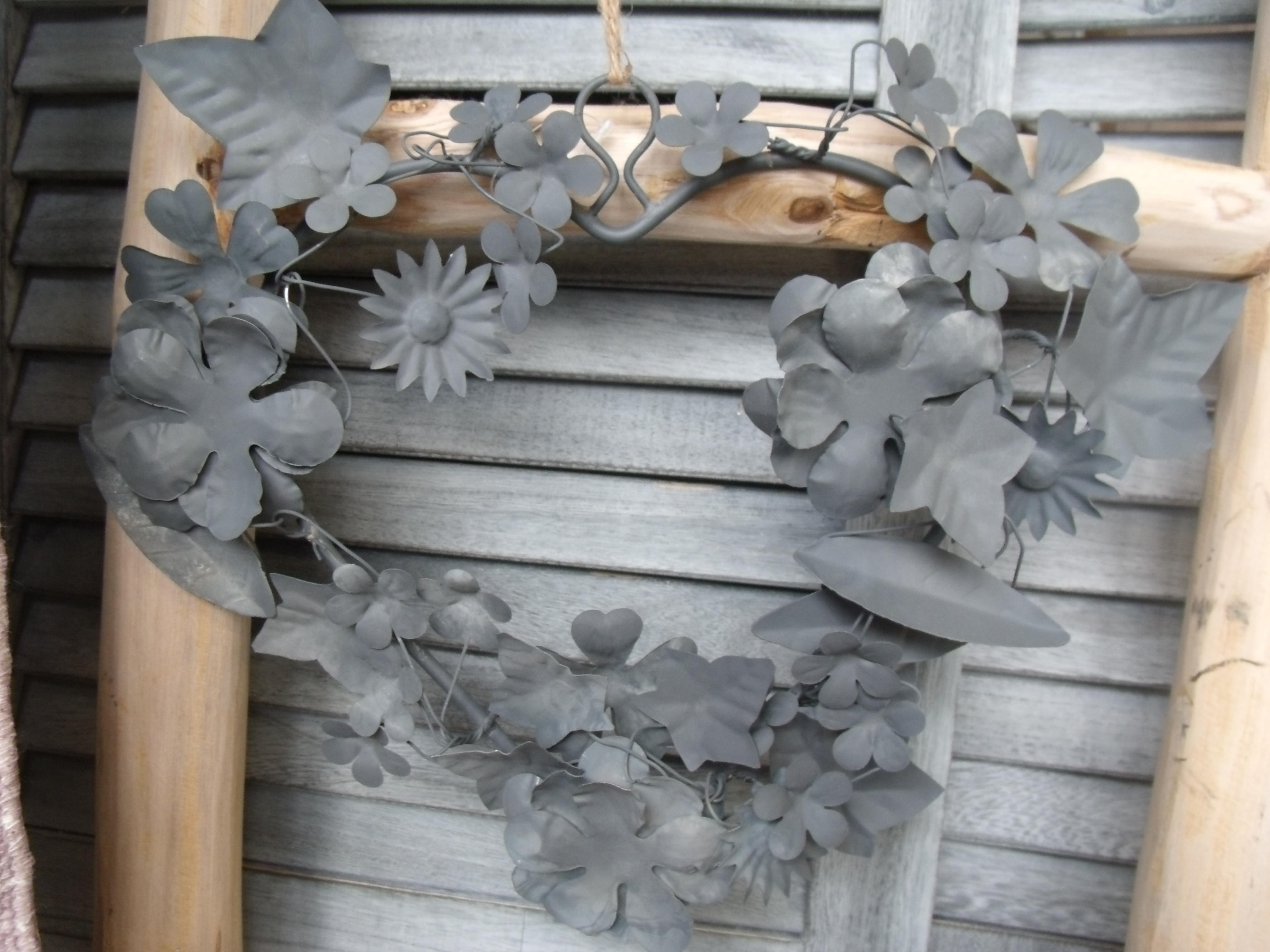 Romantischer Rosen Blüten Kranz Weiß antik Metall Deko Shabby Vintage D.21 cm