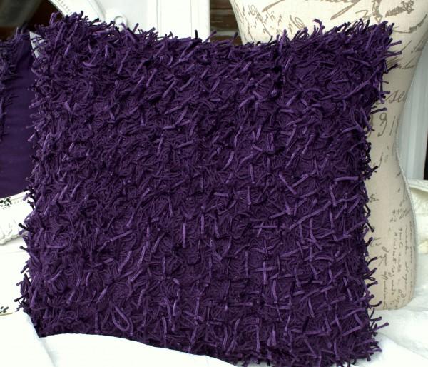 Kissen Shaggy lila violett mit Inlett 45x45 Langflor Zottel Fransen Metallic