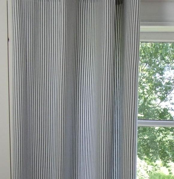 Vorhang PAMELA GRAU Gestreift 2 x 120x250 cm für Stange + Schiene Streifen
