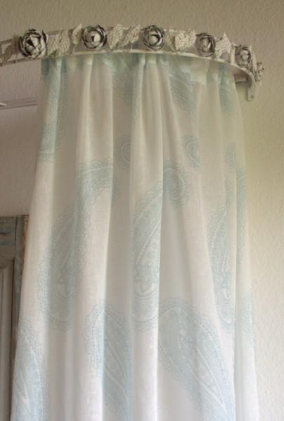 Vorhang SOPHIE GRÜN Weiß Offwhite 140x240 cm 2 Stück Gardine Dekoschals Paisley Gardinenschals