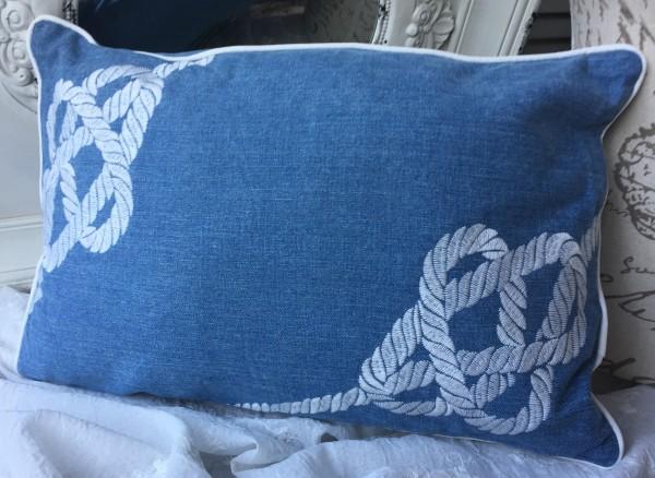 Kissen SEEMANNSKNOTEN 35x50cm mit Inlett hellblau weiß Jeans Stickerei Maritim Baumwolle Polyester