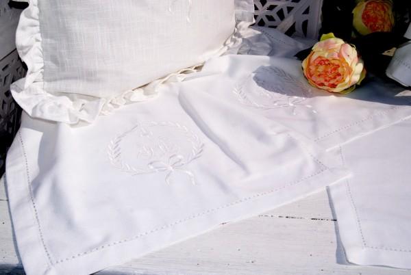 Tischläufer AMALIE Weiß oder Sand 40 x 140 bestickt Hohlsaum Landhaus Shabby Baumwolle