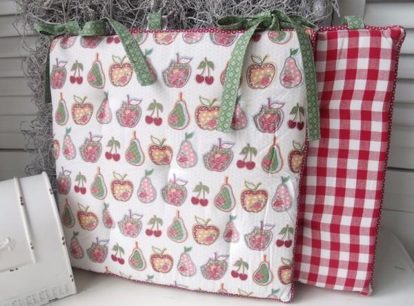 stuhlkissen fruit wei rot gr n 40x40 cm karo matratzenkissen stuhlkissen kissen. Black Bedroom Furniture Sets. Home Design Ideas