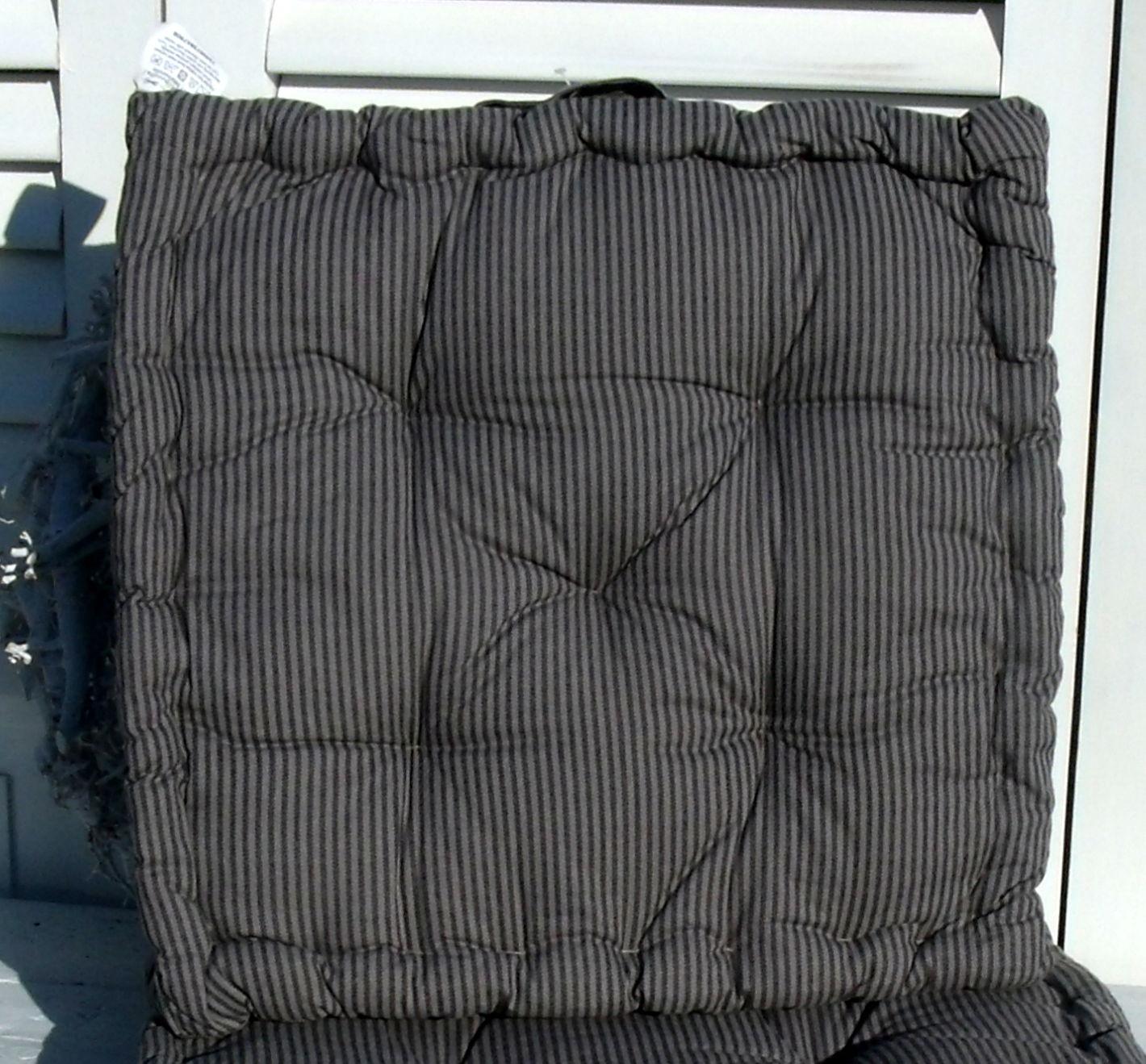 matratzenkissen stripe schwarz 40x40 cm matratzenkissen stuhlkissen kissen zauberhafter. Black Bedroom Furniture Sets. Home Design Ideas