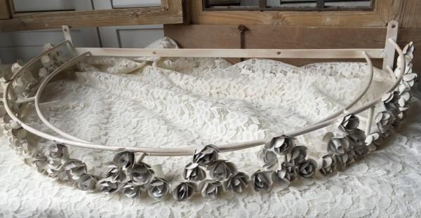 Betthimmel Bettkrone ROSE Offwhite Eisen Landhaus Shabby patiniert Vintage