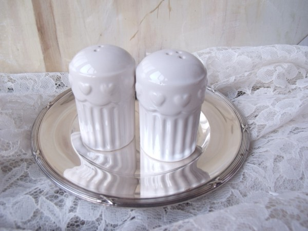 Pfeffer und Salz Streuer Keramik weiß 2 teilig