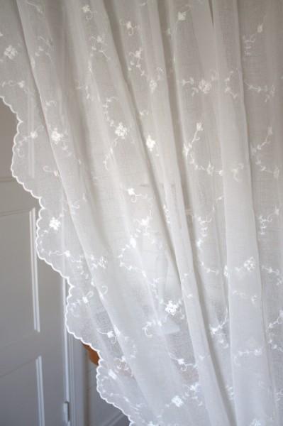 OFFWHITE Gardinen Schal SARINA Bestickt 200x300 cm B x L Rosen Shabby Vintage Landhaus Bandauf