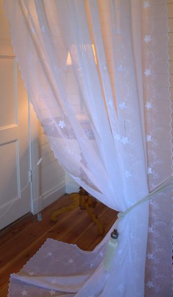 WEIß Gardinen Schal JOLINA B x H x (L) 200x300 cm Bestickt Shabby Vintage Landhaus Bandaufhängung