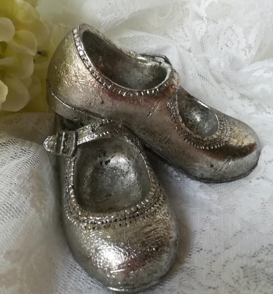 Deko Schuhe einteilig silber 12x10x7 cm Nostalgie Vintage Ballerina Spangenschuh